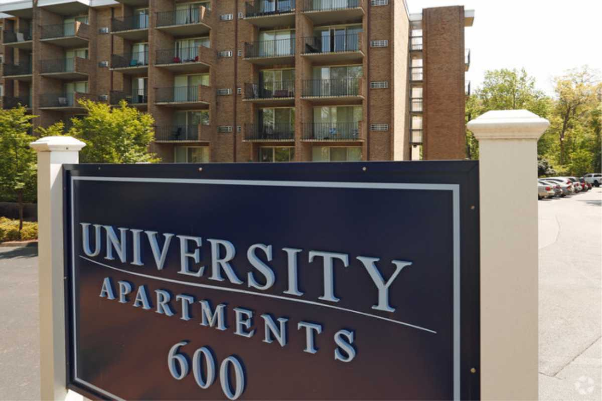 Exterior Signs for University Apartments # 600