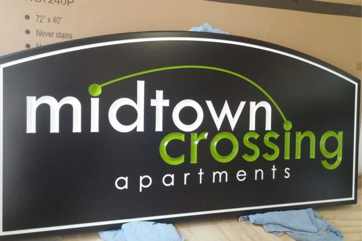 Midtown Crossing Apartments exterior sign