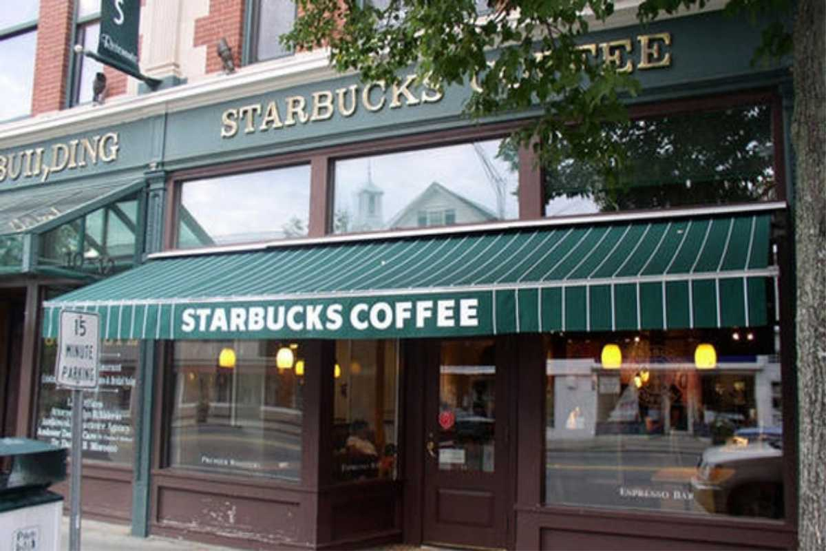Retractable Awning for Starbucks coffee